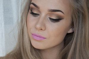 Find details on my blog: http://agneslovise.blogg.no/1398686456_sminkelook__rosy_pink.html