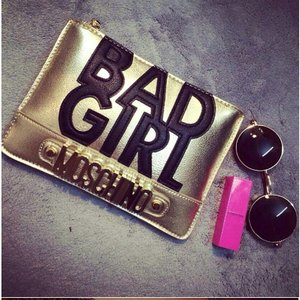 Www.myhouseofglam.storenvy.com.  Fashion accessories for all you glam ladies:)