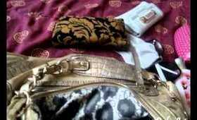 What's in my purse? - (Back to school editon)