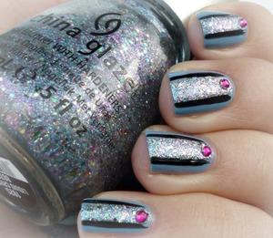 http://malykoutekkrasy.blogspot.cz/2014/03/china-glaze-electric-beat-nail-art.html