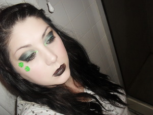 A look I created for my blog, if you wanna see how I done it check out my blog.. www.itsmisskarlee.blogspot.com