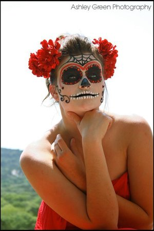 Sugarskull makeup I did for one of my photoshoots.