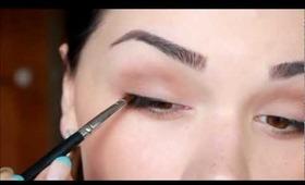 Powder eyeshadow as eyeliner