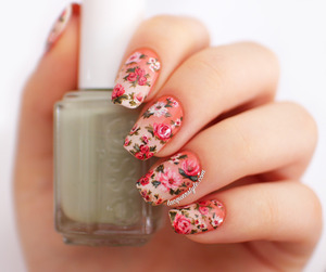 More info & photos here: http://www.lacquerstyle.com/2014/02/vintage-gradient-floral-nails.html