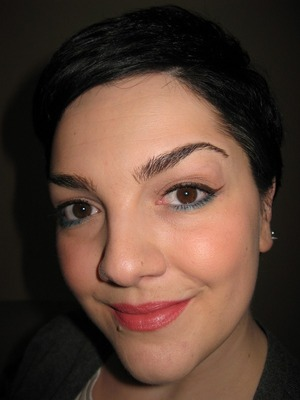 Love the combo NeveCosmetics & #Catrice on my eyes! Love the lipliner too ^_^