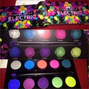 💕💕got the electric palette because I have been seeing so many amazing looks being done here on beautylish that . So I figured I should get it too! Can't wait to try and recreate and create some looks with these amazing pigmented colors that are creamy and really blend able 😍💕