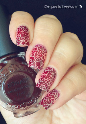 http://stampoholicsdiaries.com/2015/08/31/purple-cracked-earth-nails-with-konad-essence-catrice-and-hehe-019-lady-queen-shop/
