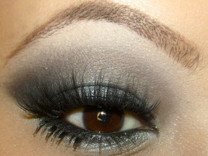 http://tinamarieonline.blogspot.com/2011/12/look-smoke-and-ice.html