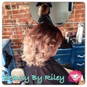 Youtube.com/rileyyvalentine Twitter.com/rileyyvalentine Facebook.com/beautybyriley INSTAGRAM: Rileyyvalentine