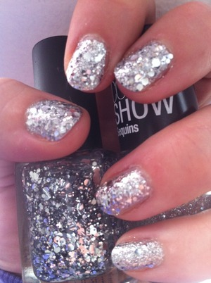 Sequins upon sequins upon sequins!  Color Club: Platinum Record Maybelline Color Show: Sequins, Silver Gleam