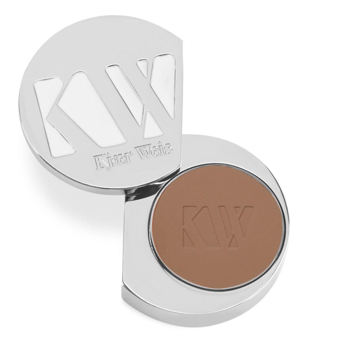 Kjaer Weis Powder Faint product swatch.