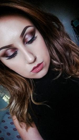 Smoky Burgundy Eyeshadow