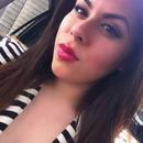 Pop those pink lips! 💋