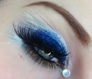 Details, details, details! http://theyeballqueen.blogspot.com/2016/11/harry-potter-ravenclaw-inspired-makeup.html