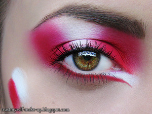 More pictures here: http://trustmyself-make-up.blogspot.com/2012/06/euro-2012-go-poland.html