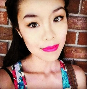 Bright fuchsia lips paired with black liner is one of my favourite looks to rock in the summer!