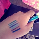 Blue kohl swatches