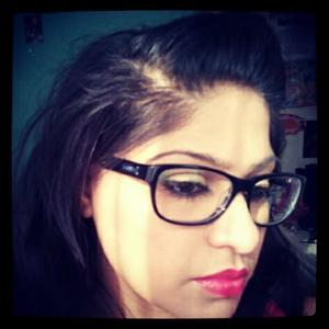 got my geek chic glasses and they look awesome with some makeup on of course