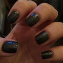Sparkly charcoal nails!
