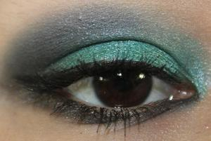 Blogger's Obsession http://yamismakeup.blogspot.com/2011/08/eotd-bloggers-obsession.html