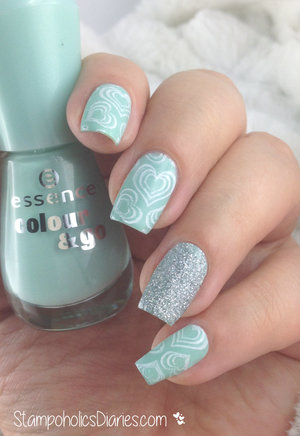 http://stampoholicsdiaries.com/2015/03/03/mint-nails-with-essence-rdel-young-mundo-de-unas-born-pretty/