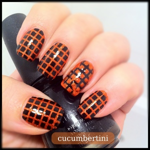 Tape mani Black and glitter orange