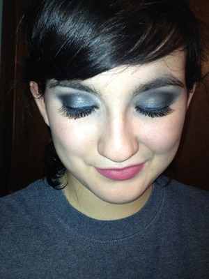 I used a Bare Escentuals powder shadow and the Naked palette.