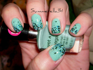 Wet N Wild I Need A Refresh-Mint and Milani Teal Glitter