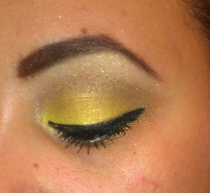 simple yellow and gold look