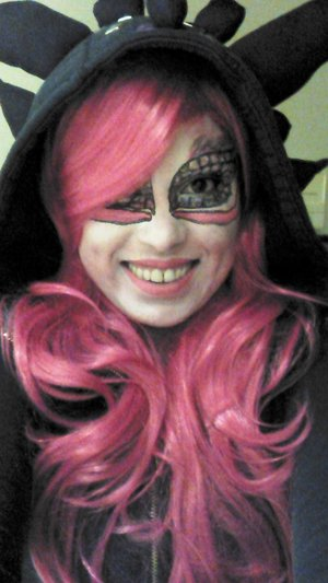 Freehand Fairy dragon created with Mehron Paradise palette, liquid eyeliner and random eyeshadows