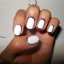 Outlined nails