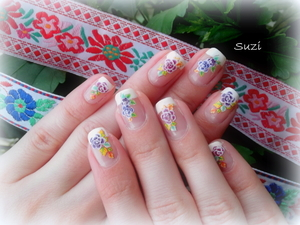 http://www.beautybysuzi.blogspot.sk/2012/06/folk-weekend.html water stickers and french manicure (Gabriella Salvete)