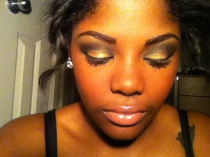 this was one of those times i was experimenting with dramatic makeup!