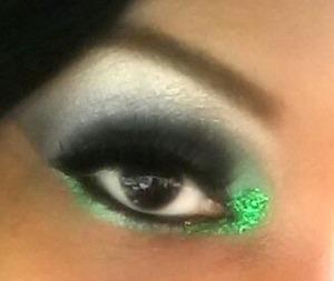 green smoky eye w/ green glitter