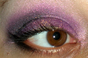 Eyes: Fyrinane Smokey Purple Glow