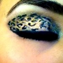Leopard eyeshadow