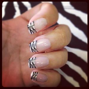 Zebra Diva Artificial Nails By California Nails- Super Easy & Quick To Apply