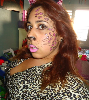 This is a better view of the pink lepord design I did. I actually used liquid pink liner and regular black liner to create the spots.