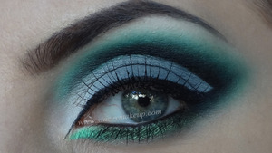 NEW VIDEO: http://www.youtube.com/watch?v=kjkkDwDXw_o  Full list of products used: http://www.staceymakeup.com/2012/10/tutorial-gray-green-dramatic-cut-crease.html