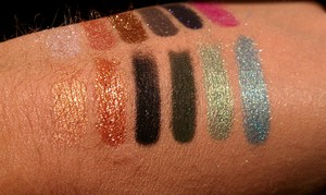 Urban Decay's Loose Pigments from Left to Right: X, Baked, Goddess, Protest, Graffiti, and Shattered