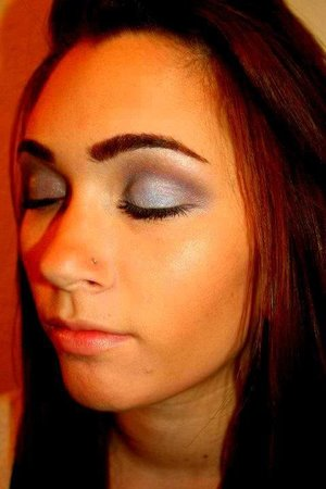 Subtle smokey grey eye for a day time look.