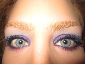 mally volumizing mascara, tarte multipleye liner lashline, mally starlight liner in midnight on inner rim, sugarpill pressed shadows- poison plum on lid, afterparty in crease & tako on top