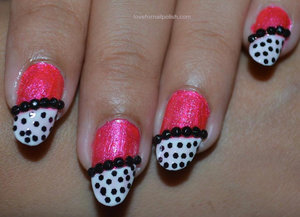 For more pics and details visit http://lovefornailpolish.com/pink-black-nail-designs-cute-easy-nail-designs