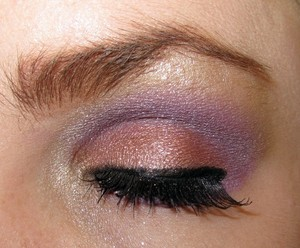 http://xoxosnowflake.blogspot.com/2011/10/eotd-dancing-in-clouds.html