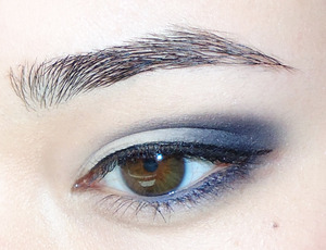 idk if it suits my eye color, but i really like the navy and beige combo ^^