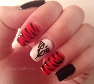 Ahhhh. I'm seeing her tomorrow so these are my nails :)