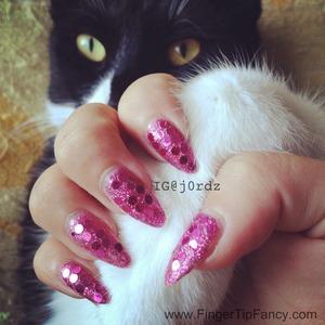 http://fingertipfancy.com/pink-disco-nails