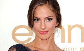 Minka Kelly Hair, Emmy Awards 2011