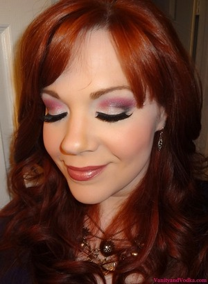 Makeup Look for the week featuring the MUA Glamour Nights Palette.  A little glam...and a little flirty ;-)  For more info, please visit: http://goo.gl/OvP50  Have a beautiful day!  xoxo,  Colleen