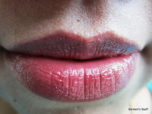 Maybelline Raspberry Rush C 425 read my review http://www.srinjla.com/2013/09/lipstick-challenge-day24-maybelline.html#.Ul2OFBaXulJ